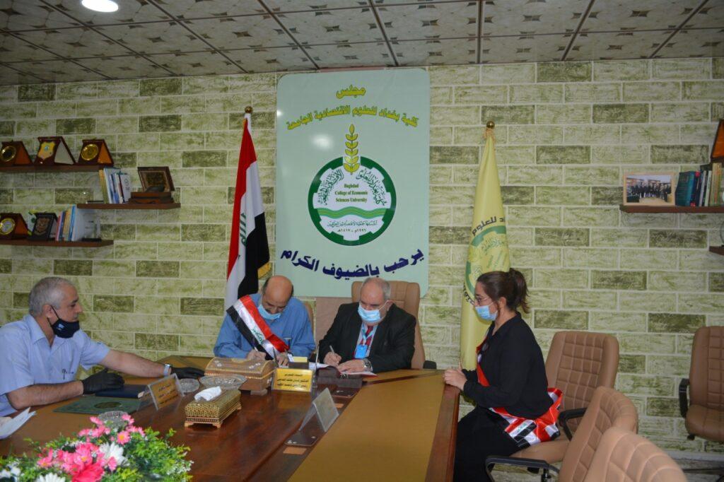 كلية بغداد للعلوم الاقتصادية • وقع السيد عميد كلية بغداد للعلوم الاقتصادية الجامعة الاستاذ الدكتور لبنان هاتف الشامي ،اتفاقيتين جديدتين مع مؤسسة (IEEE)للاسناد العلمي /فرع العراق