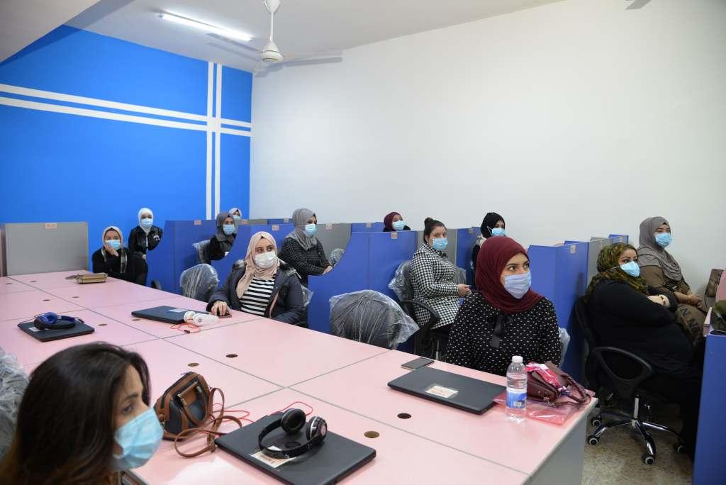 الطلاب صورة الطلاب في دورة التعليم الالكتروني