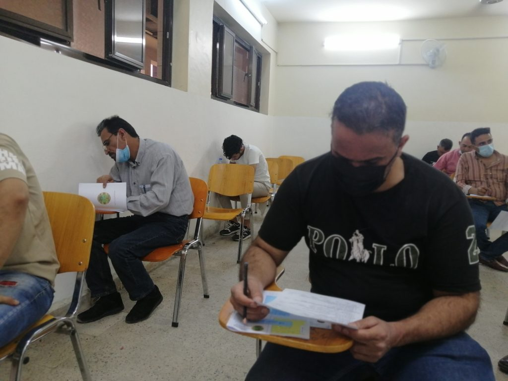 طلبة الخارجي اثناء الامتحانات
