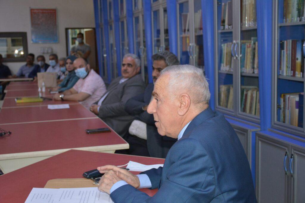 المحاضر الدكتور محمد مولود